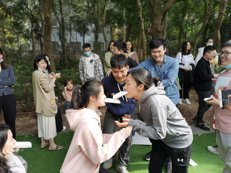 深圳农家乐-乐水山庄团建项目:面粉传递