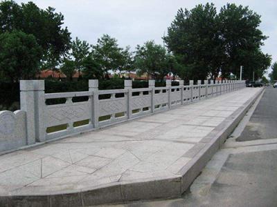 花岗岩广场板芝麻灰地面铺路用石材广场板