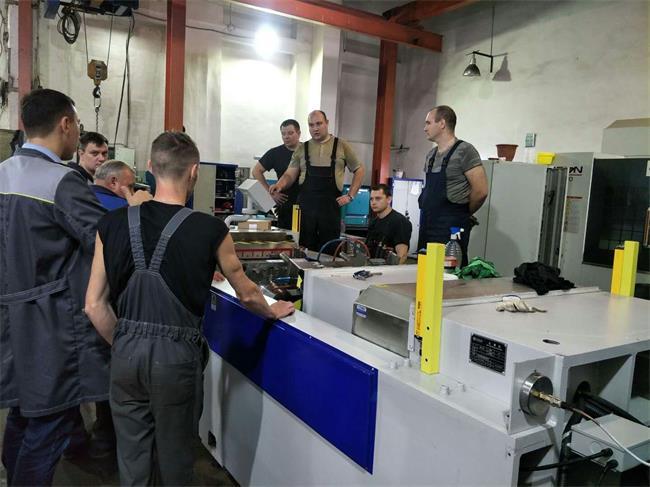 歐洲客戶使用耐斯合模機修模