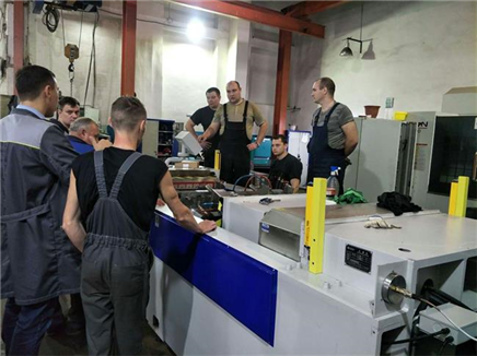 clients from Europe using die spotting machine for mold repairing