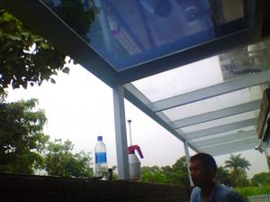 香港水盞田豪園隔熱防爆膜