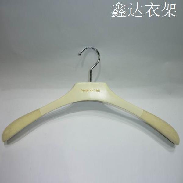 女装木衣架 23