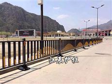 公路护栏设置
