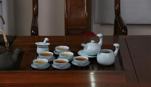 瑞彩祥云·成套茶器-1002