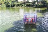 乐湖生态园水上滚筒漫步