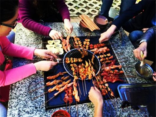 昆明最出名户外自助烧烤的地方推荐二龙湖生态园