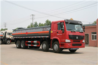 重汽豪沃前四后八化工液体运输车(ZZ1317N4667C