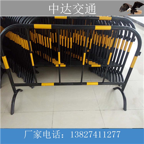 深圳鐵馬護欄廠家