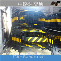 建设施工型铁马护栏批发