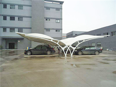张家界湘西州膜结构车棚源卡多遮阳棚