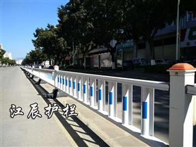 随州市太阳能防眩光护栏