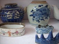 回收老瓷器 上海老糖缸花瓶回收  老花盆茶碗收购