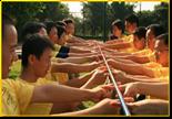 齐眉棍-培养团队默契合作的公司团建项目