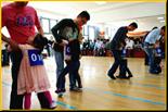 大脚小脚一起奔跑-适合班级亲子游活动的游玩项目