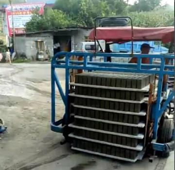 水泥砖运砖车