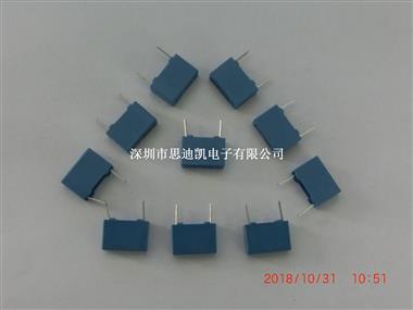 薄膜电容 B32672L1223J289 22NF 5% 600V  LS=15MM