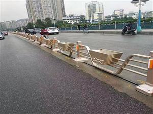 道路护栏花箱