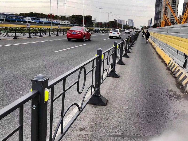 乡村公路隔离护栏