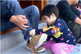 我给爸妈穿鞋-深圳亲子游松山湖亲子项目推荐
