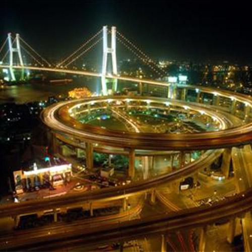道路與城市燈光