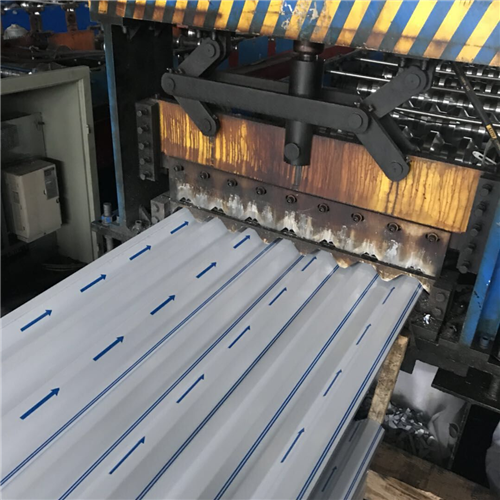 铝镁锰墙面板生产过程
