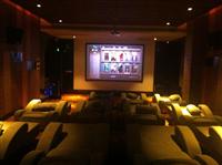 【商用投影】广州水疗场所娱乐室3D影院客户案例