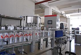 包装行业热熔胶贴标机应用