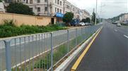 坪西公路坪葵段深标1护栏安装